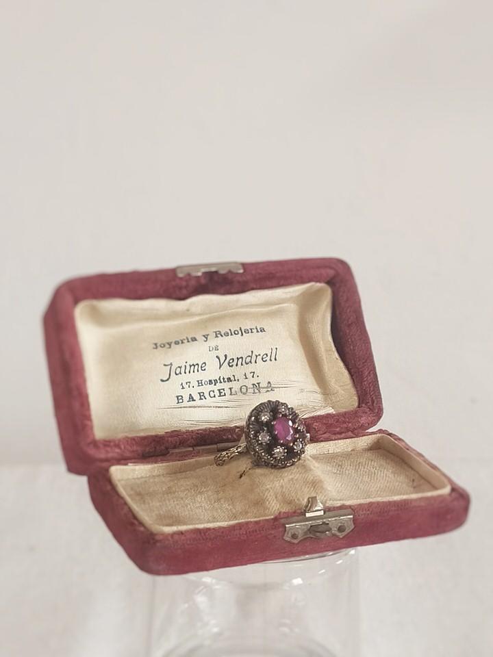 anillo-isabelino-rojo-redondo-3-AUREA