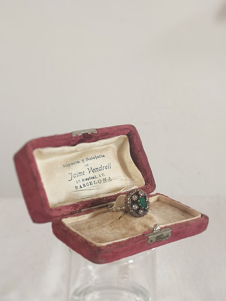 anillo-isabelino-verde-redondo-3-CALISTA