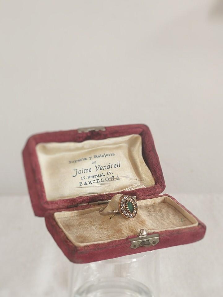 anillo-isabelino-verde-rombo-pequeño-3-LORETA