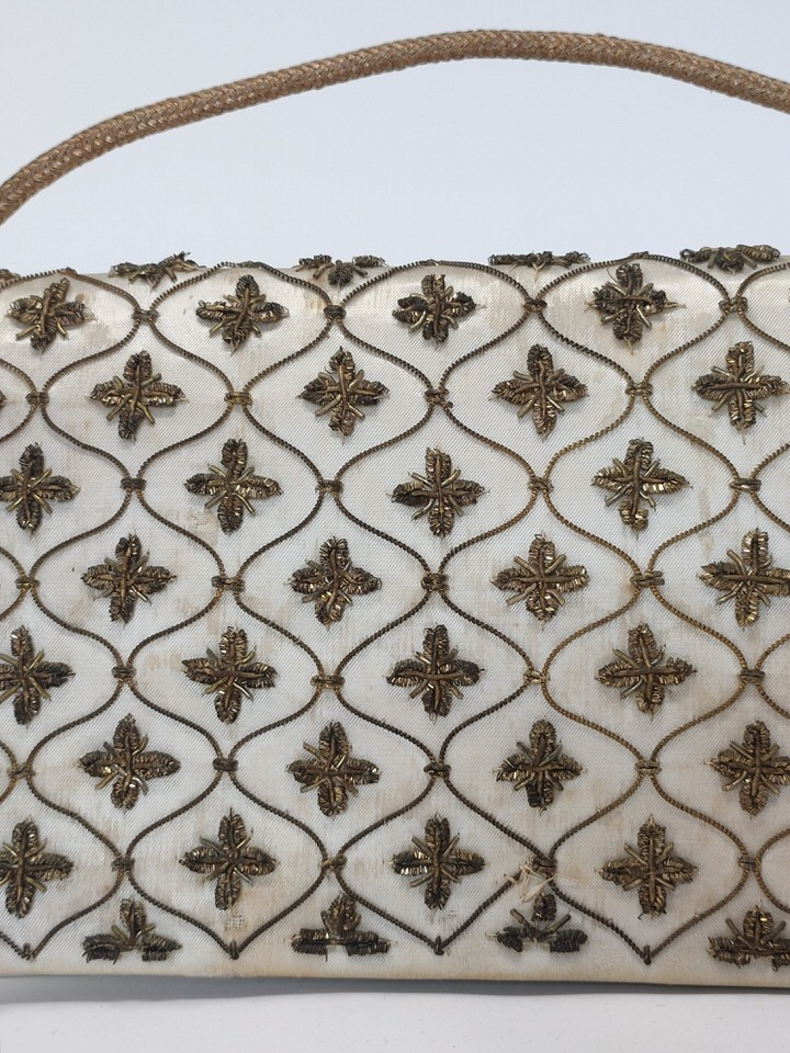 bolso-sobre-bordado-vintage