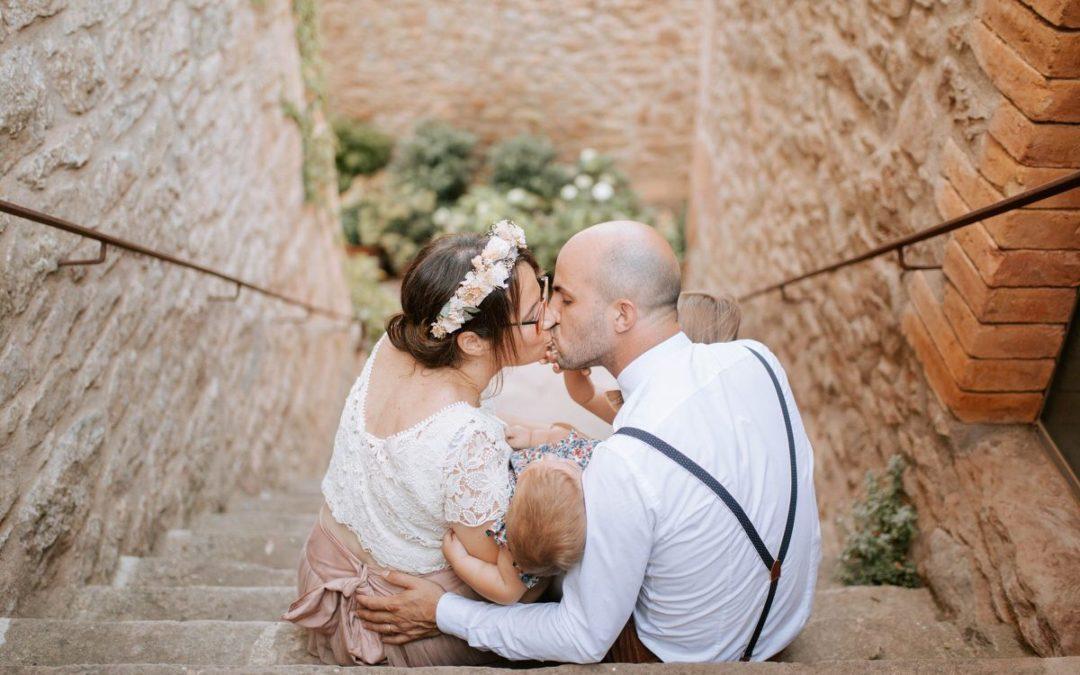 Vestido de novia dos piezas en boda íntima