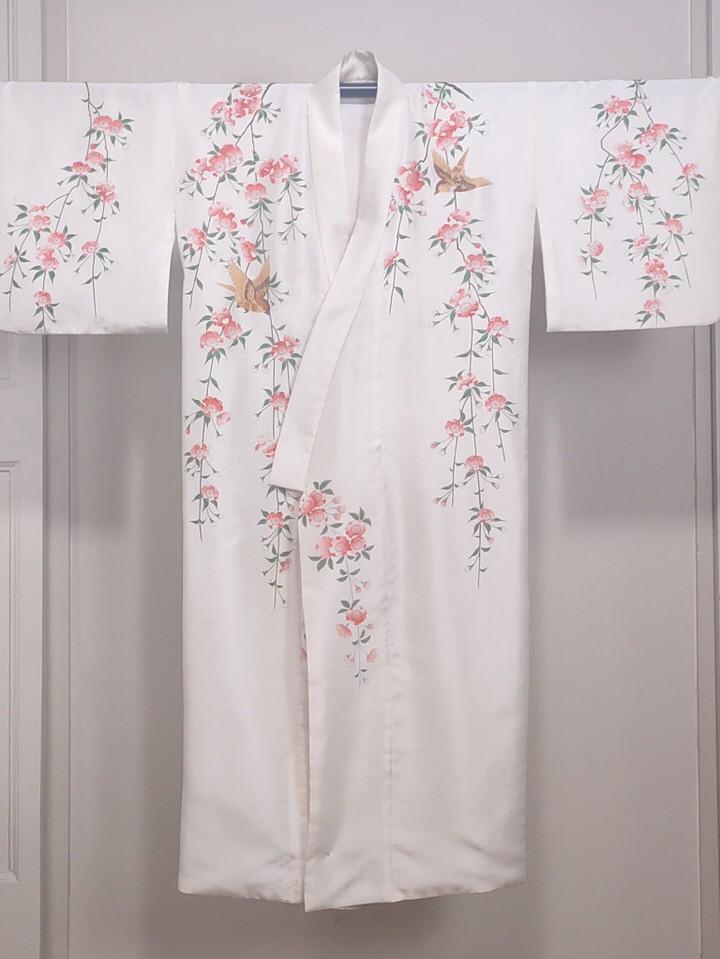 kimono-cerezo-flor-bordado
