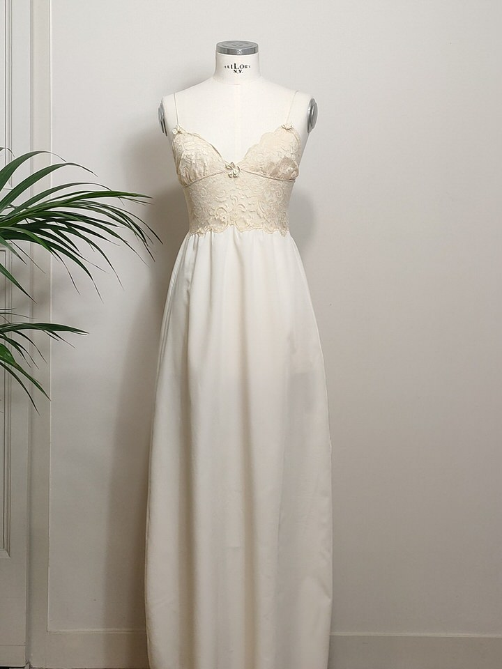 vintage-slip-dress-05.jpg