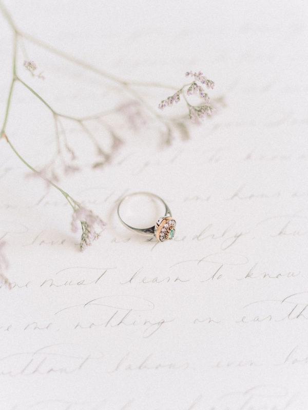 anillo-estilo-antiguo-verde