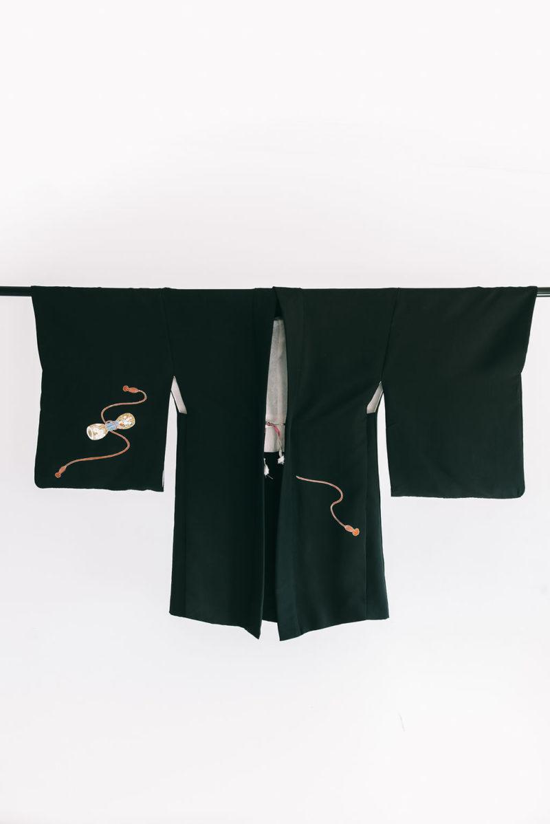 kimono-negro-antiguo