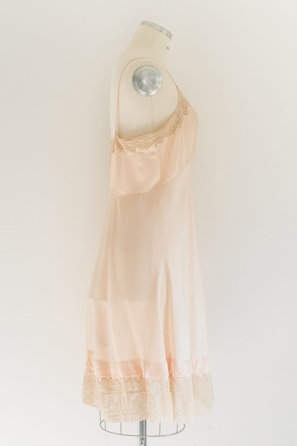 vestido-corto-lencero