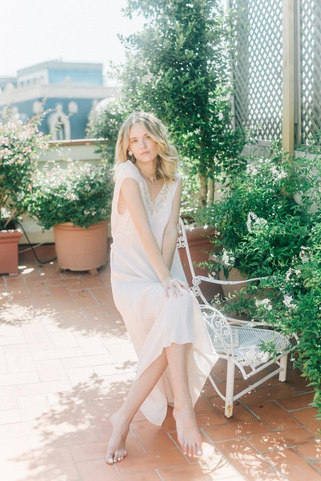 vestido-romantico-seda-detalle-bordado.jpg